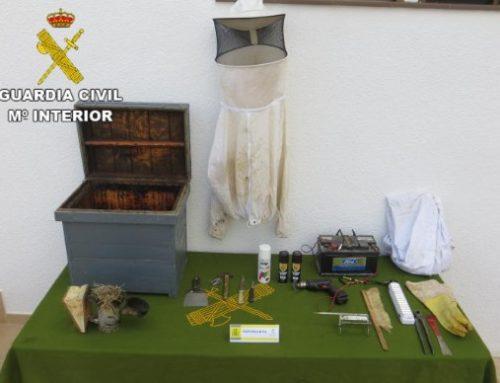 Detenido un apicultor por robar colmenas en Enguera
